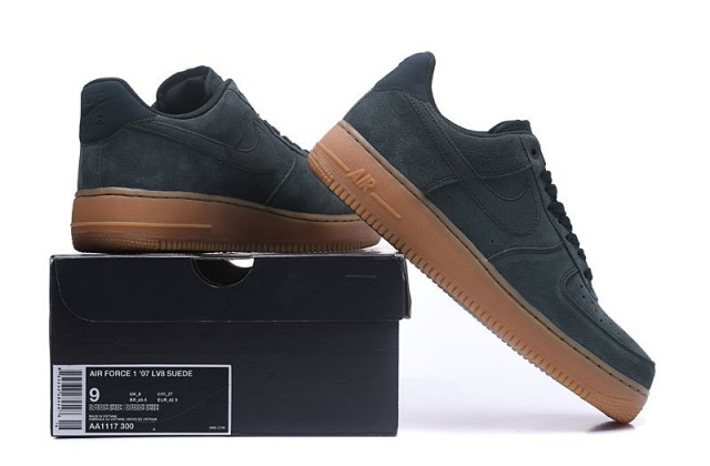 Nike Air Force 1 High '07 LV8 Suede (Men's)