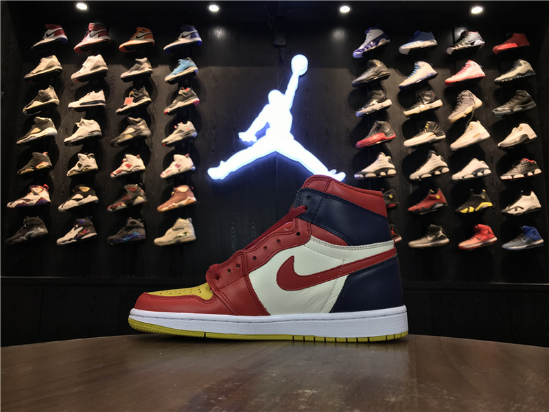 e9c72882ac84 Nike Air Jordan 1 Retro High New Top 3 Mens Athletic Basketball ...