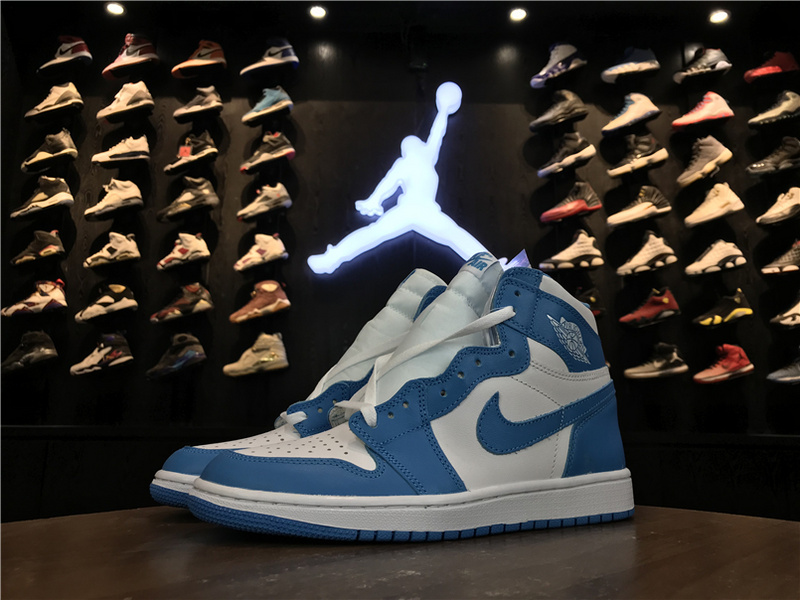 8bab71d4edbb Nike Air Jordan 1 Retro High OG UNC Bule Mens Athletic Basketball Shoes