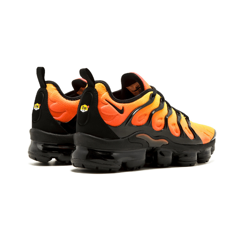 sports shoes 10007 4f567 Nike Air Vapormax Plus TN Sunset 924453 006 Mens Running Shoes 924453-006