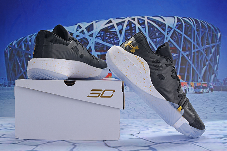 b912d6693ca8 Under Armour Stephen Curry 5 Low Black Gold White Men s Basketball ...