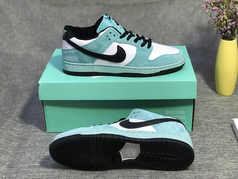 finest selection dfb9e 90d84 Nike SB Dunk Low Pro Ishod Wair Green Glow Black Summit White Women's Men's  Casual Shoes Sneakers NIKE-ST003449