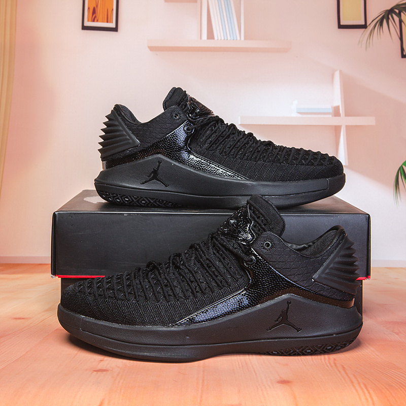 88f06243fd9478 Air Jordan 32 XXXII Low Triple Black Men s Basketball Shoes NIKE ...