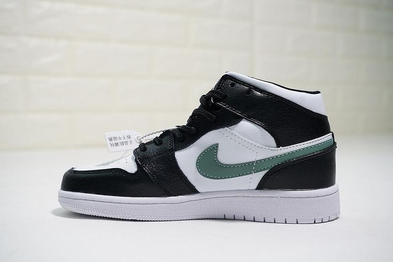 newest 5bbcc bacca Jordan 1 Grade School Air Jordan 1 Mid 554725-052 Womens Athletic  Basketball Shoes 554725-052