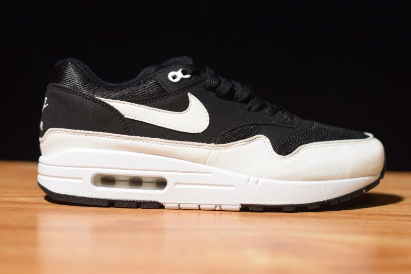 Nike Air Max 1 Women Sneaker
