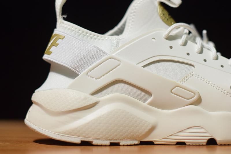 063249a17904 Nike Air Huarache Run Ultra GS Summit White Summit White Metallic Gold Star  847568 102 Men s