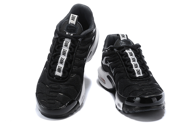 new concept 87c40 004e9 Nike Air Max Plus SE TN Tuned 1 Taped Pull Black White AQ4128 001 Men's  Running Shoes AQ4128-001