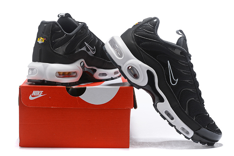 026d56bbc3 Nike Air Max Plus SE TN Tuned 1 Taped Pull Black White AQ4128 001 ...