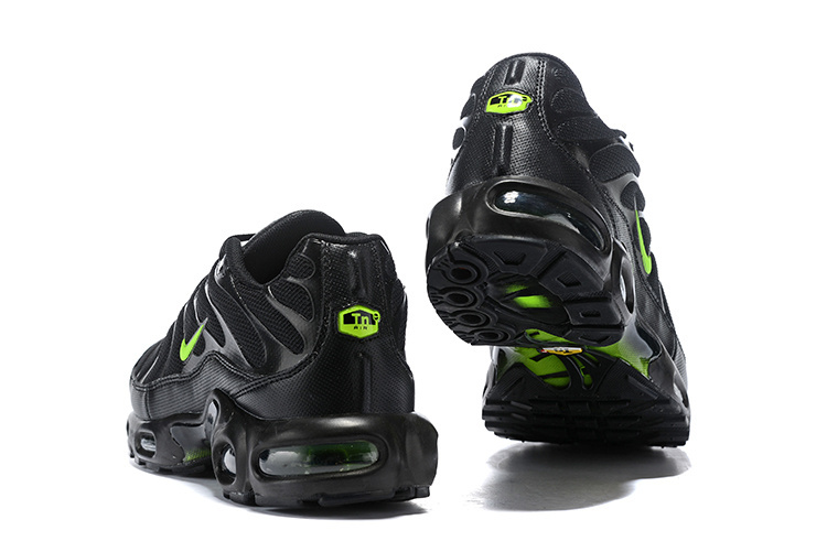 big sale 9cc66 573f3 Nike Air Max Plus TN SE Black Volt Glow WOLF GREY AJ2013-001 Men's Running  Shoes AJ2013-001