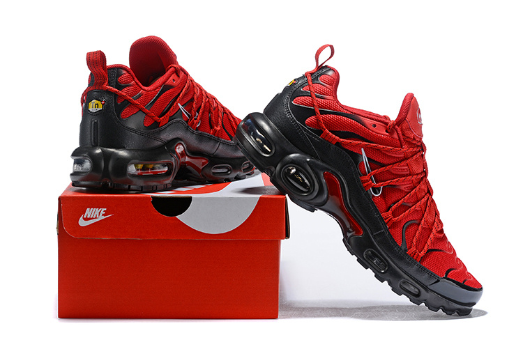 en soldes 56470 913bd Mens Drake Reveals Nike Air Max Plus For Stage TN 2019 Bright Red Black  Winter Running Shoes NIKE-ST004867