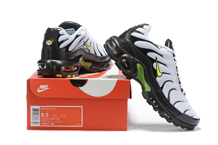 competitive price 0375c ebe2e Mens Nike Wmns Air Max Plus TN Se Black Green ...